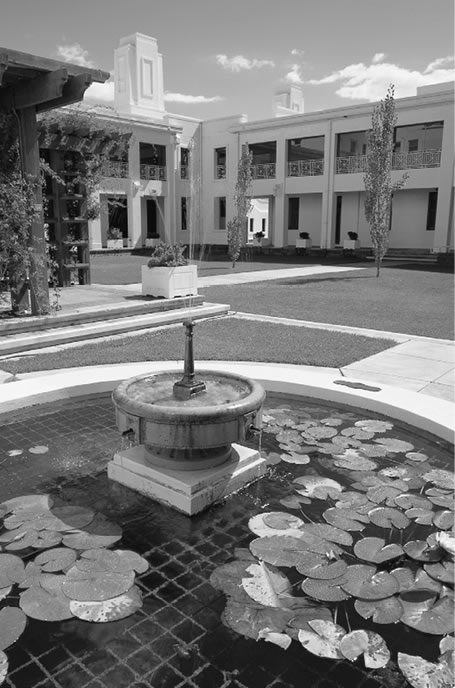 An image of the fountain in the House of Representatives Courtyard, taken in 2002.